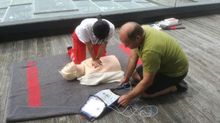 Dorfinstallateur Mitarbeiter Erste Hilfe Kurs Rotes Kreuz Vorarlberg